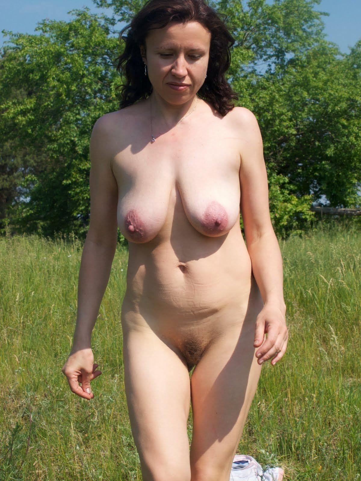 Camel toe pussy outdoor rubbing