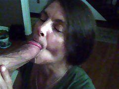 Amateur women swallowing cum