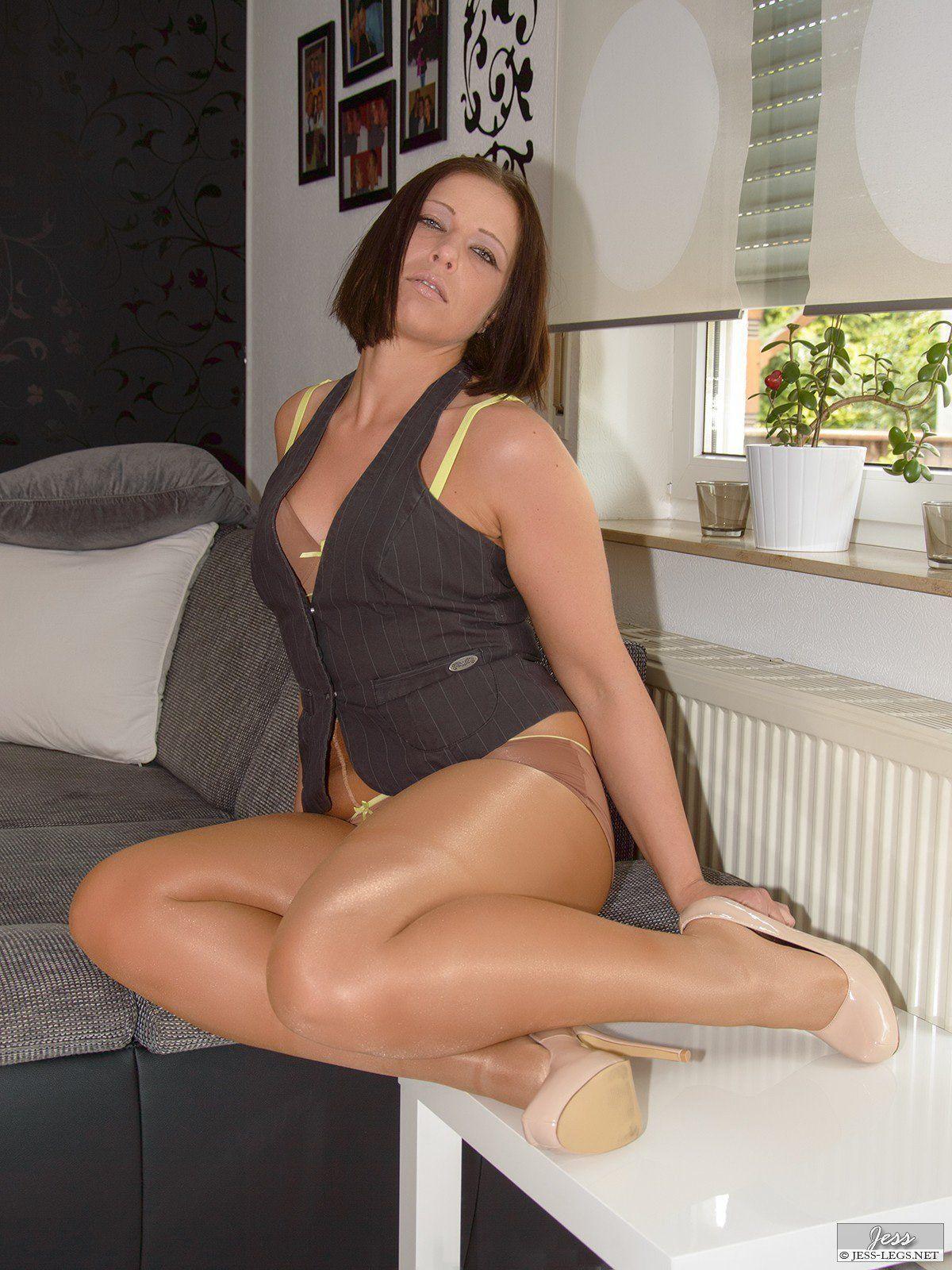 Anya mpl ass nude