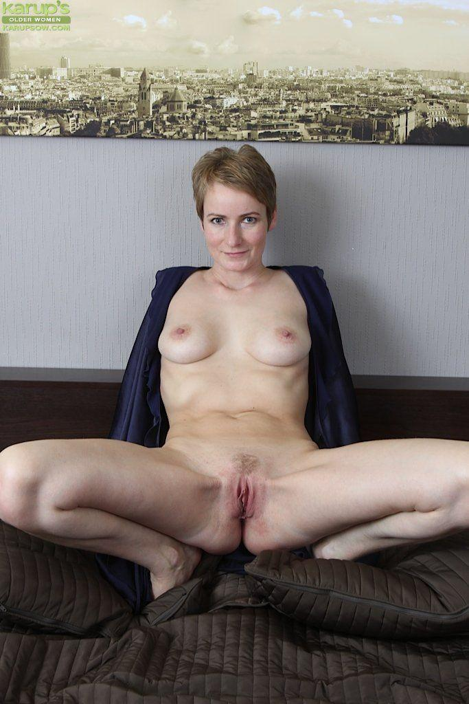 Short haired mature porn