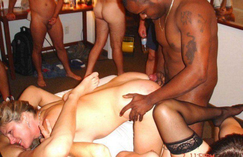 Woman licks black guy nipple