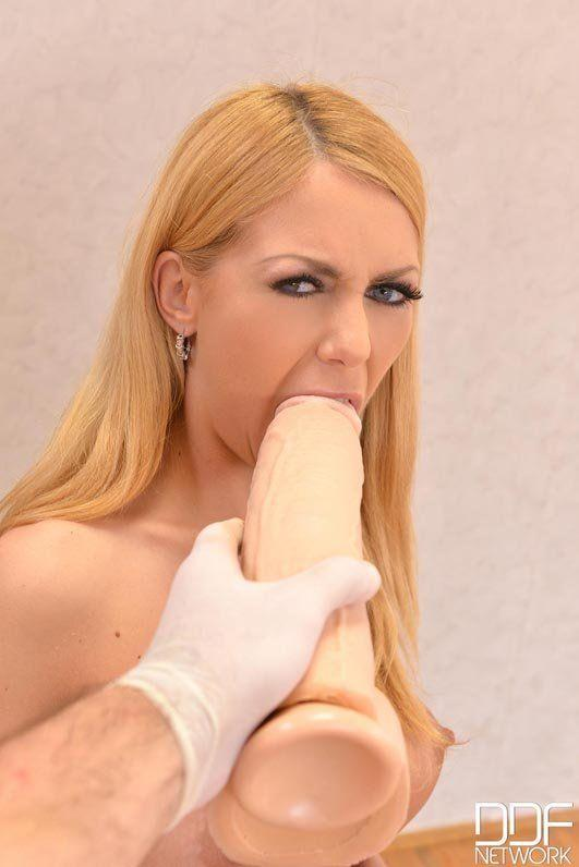 Annette schwarz deepthroat black