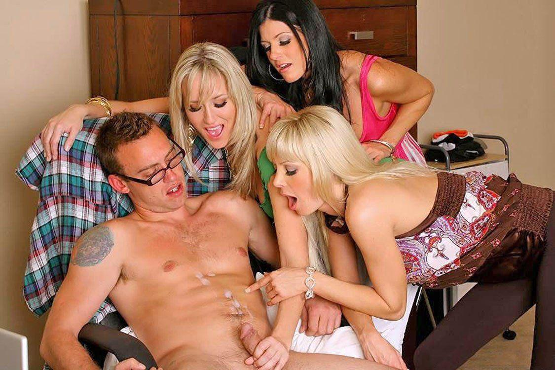 4 girls 1 guy sex