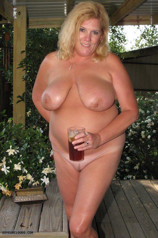 Shaved nudist women