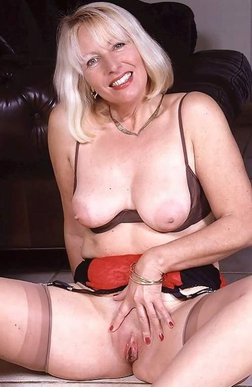 amateur nudes Classy mature