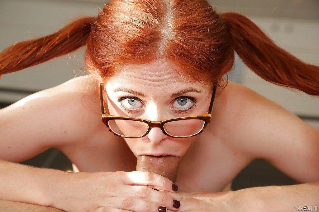 Skinny red heads pussy