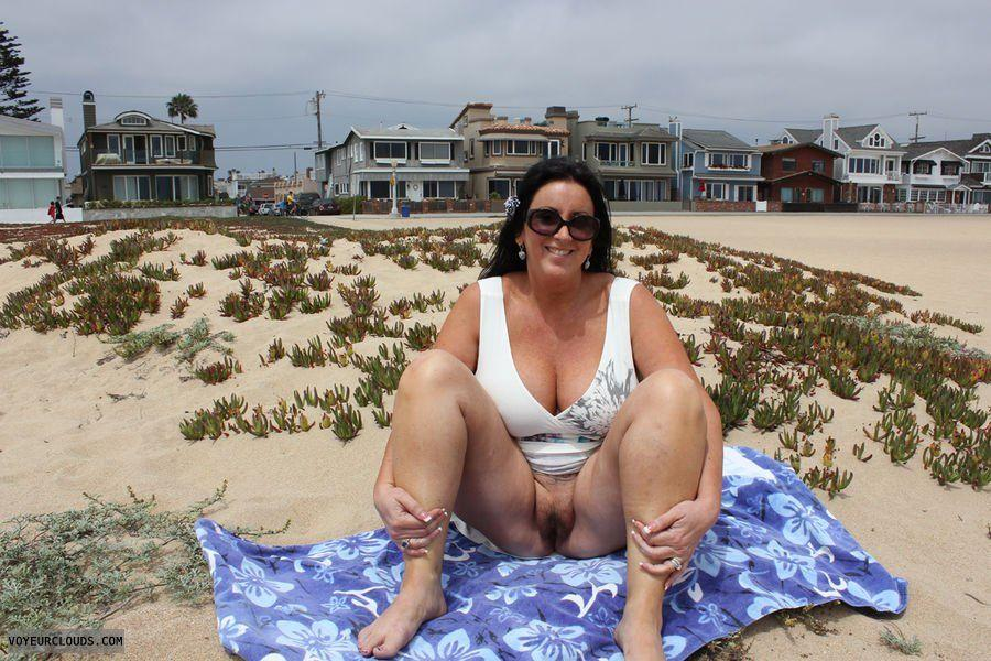 best of Milfs Mature beach