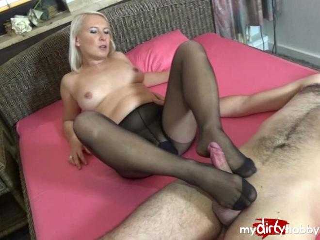 Mature handjob video