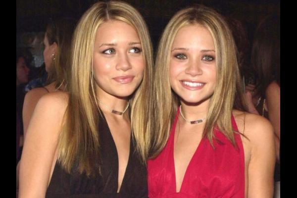 Olsen twins show boobs