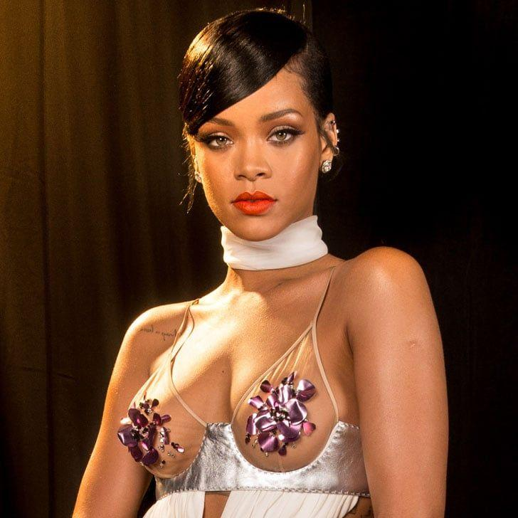 Rihanna boob pictures