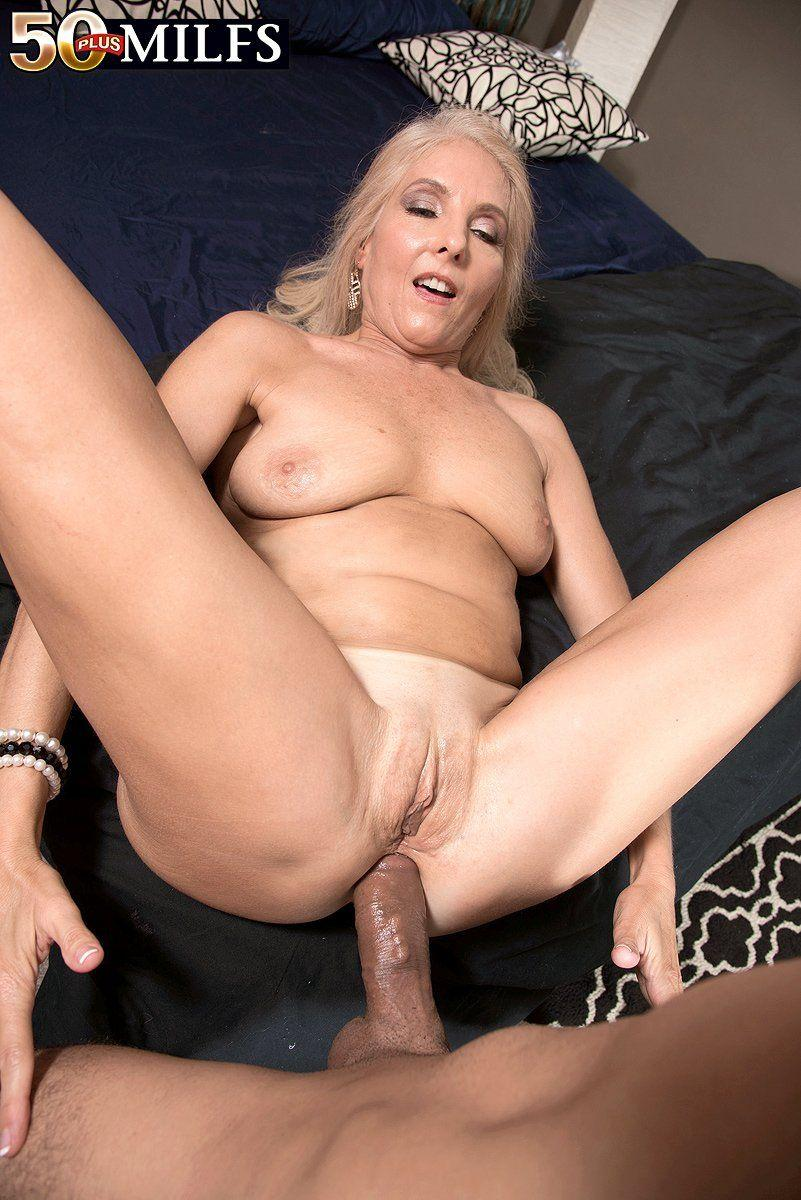 Pretty granny anal sex will
