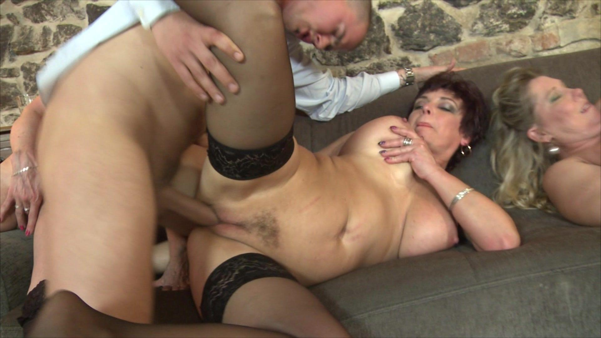 Mature groupe sex