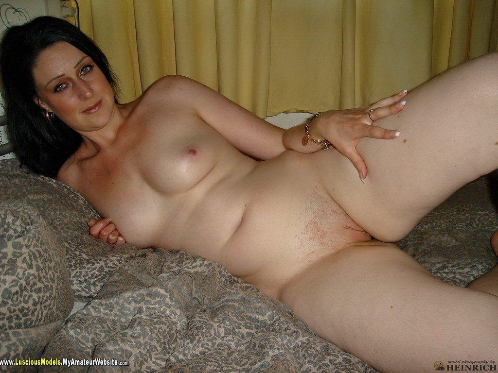 Gallery picture amateur housewife