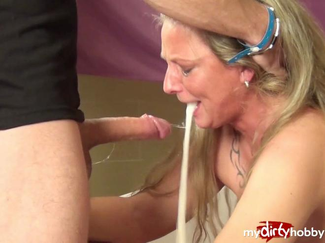 Extreme gagging blow jobs