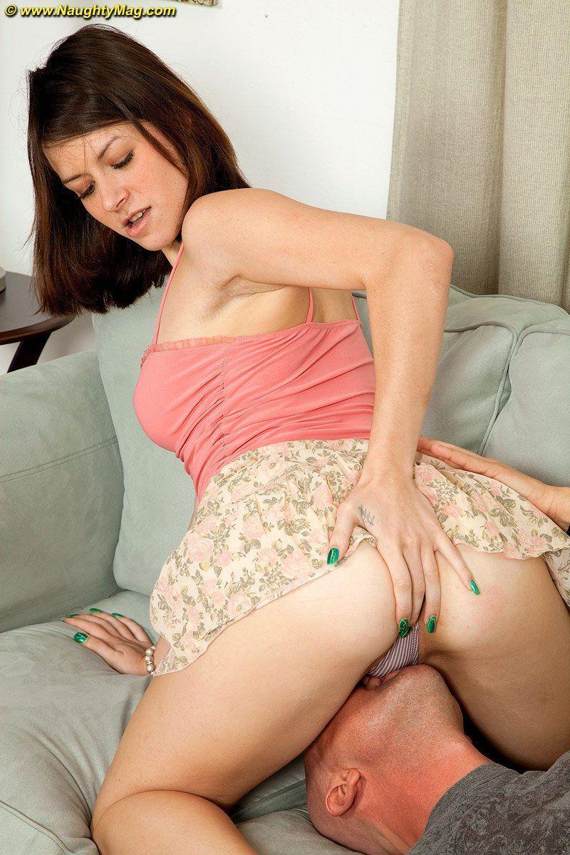 sucking Upskirt pussy