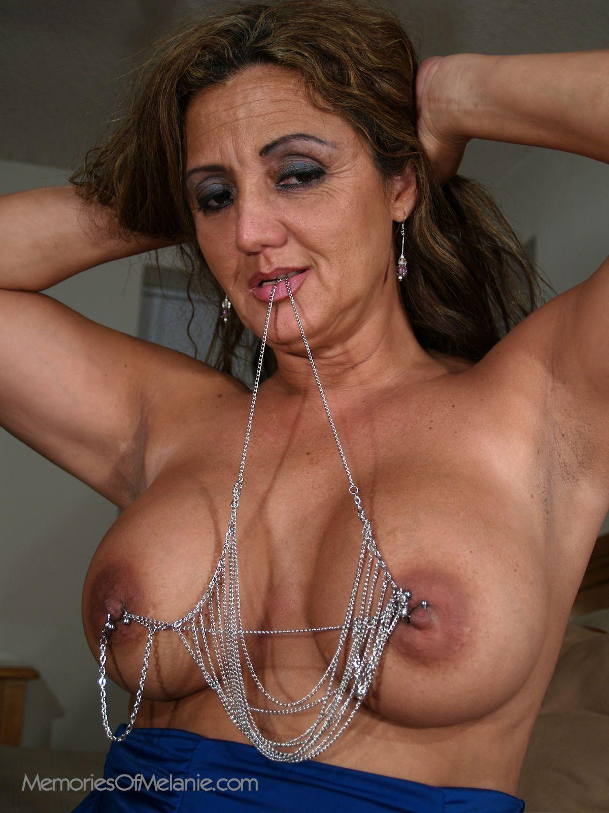 Latina milf with big nipples