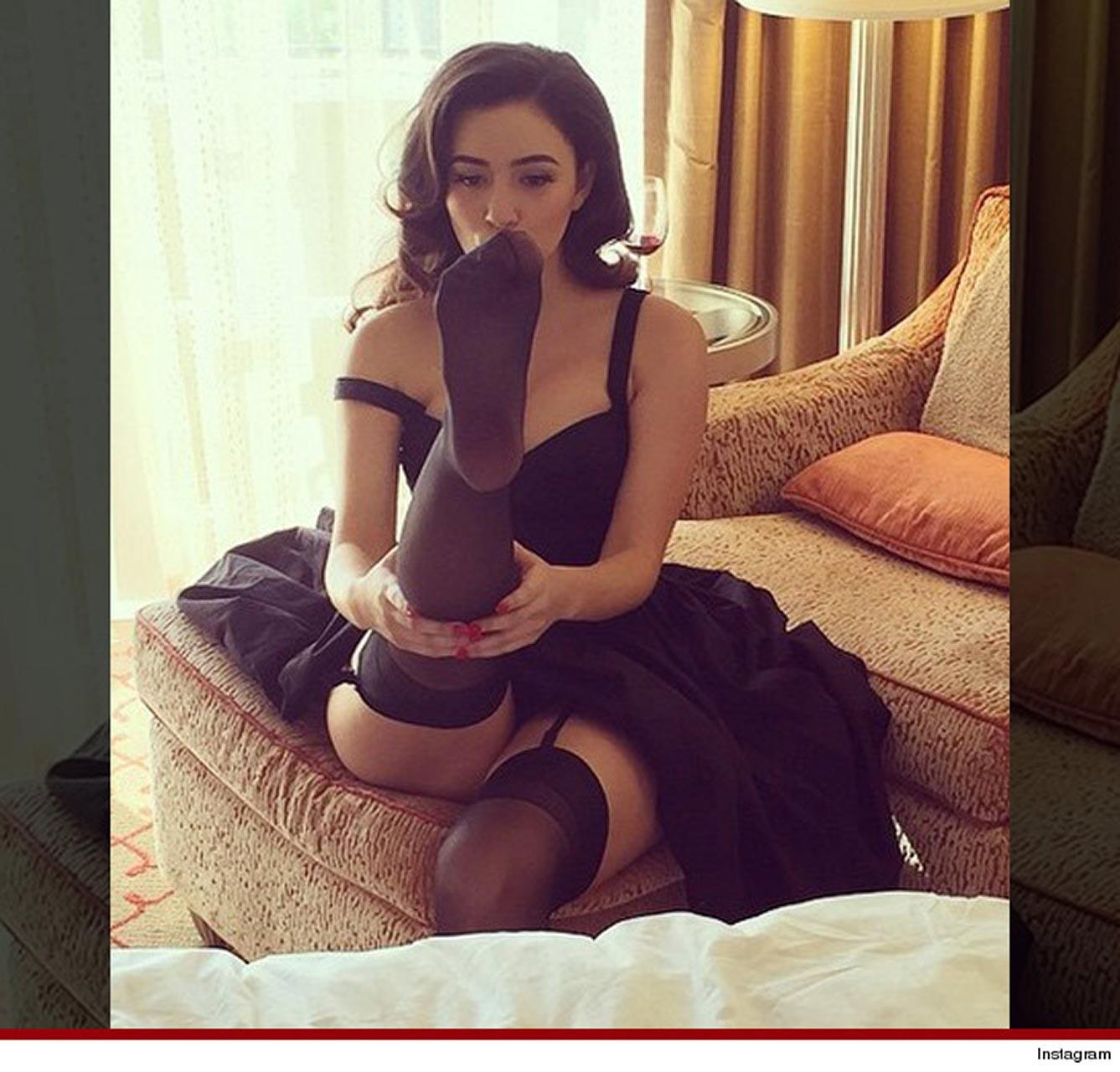 Sex Christian Serratos naked (61 photo), Sexy, Leaked, Twitter, cleavage 2019