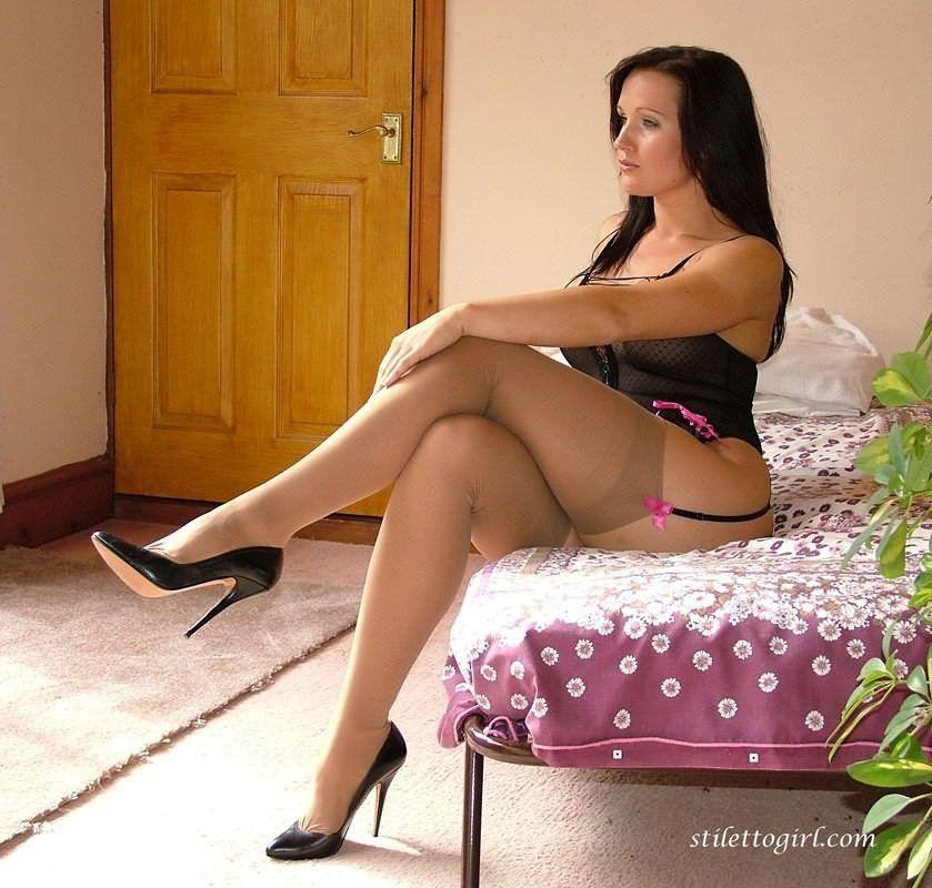 Chubby pantyhose porn site with thousands of fat pussy pics in huge collection of bbw pantyhose sex galleries sorted by categories.
