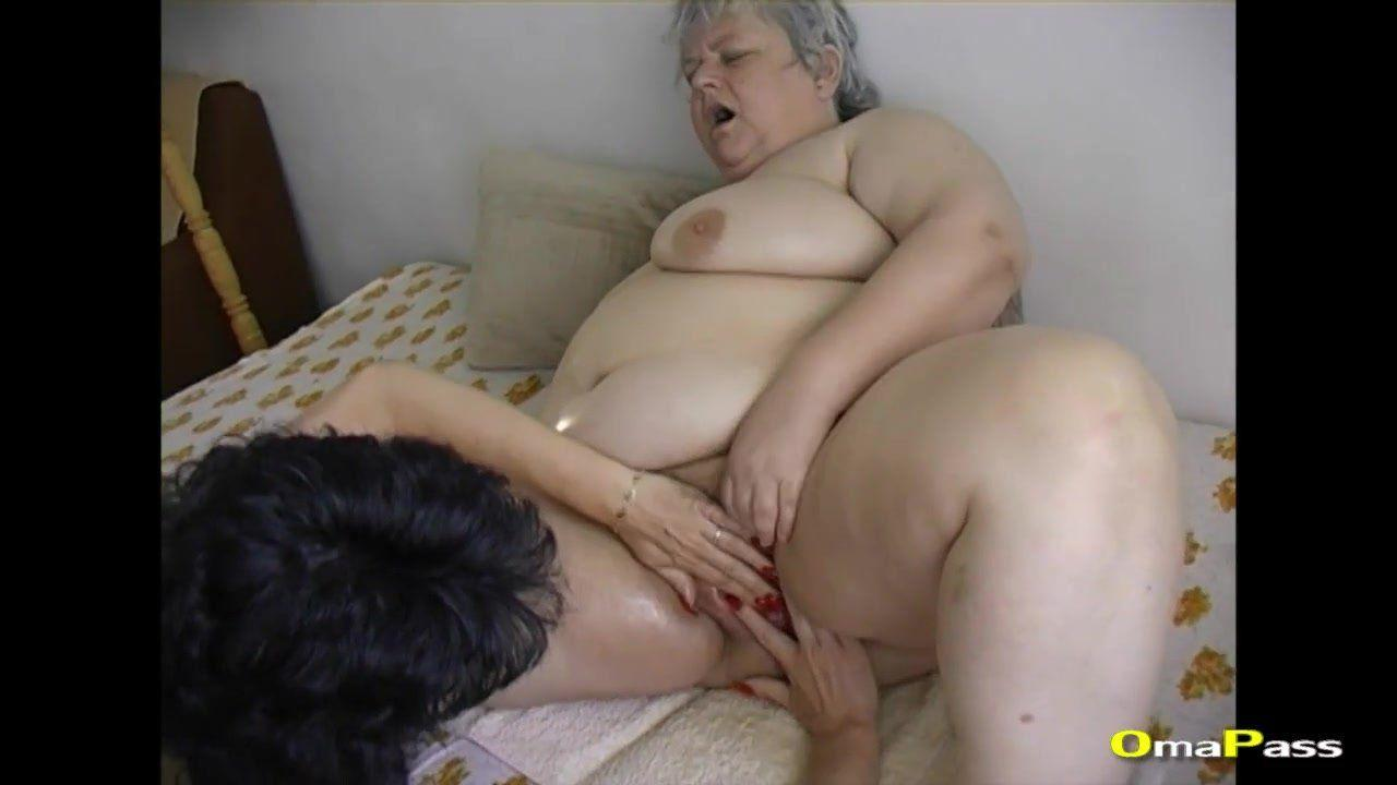 girlfriend-deepthroat-granny-amovies