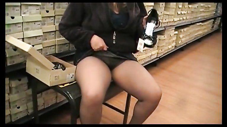 Hidden upskirt pantyhose pics and viedo