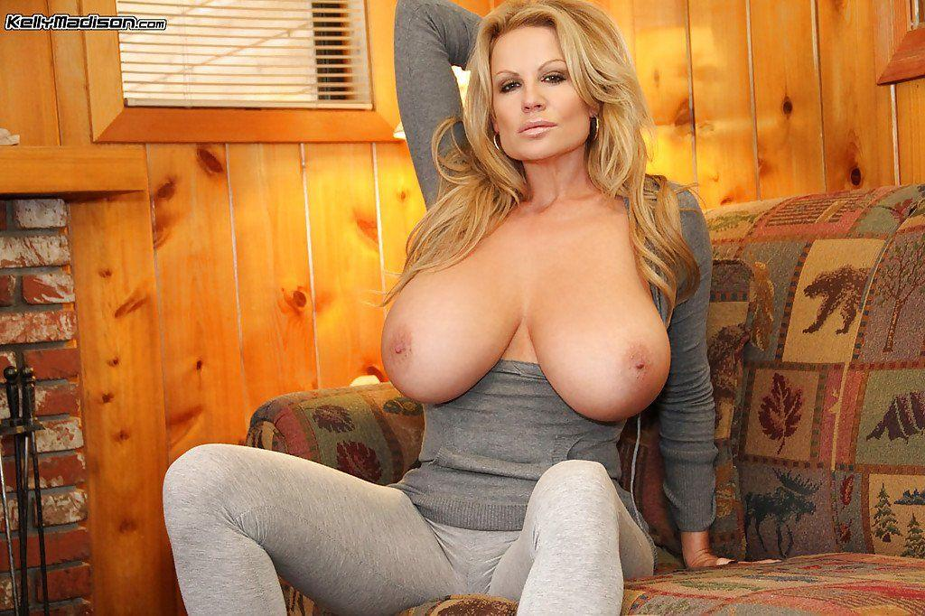 Amature cougar perfect tits nude