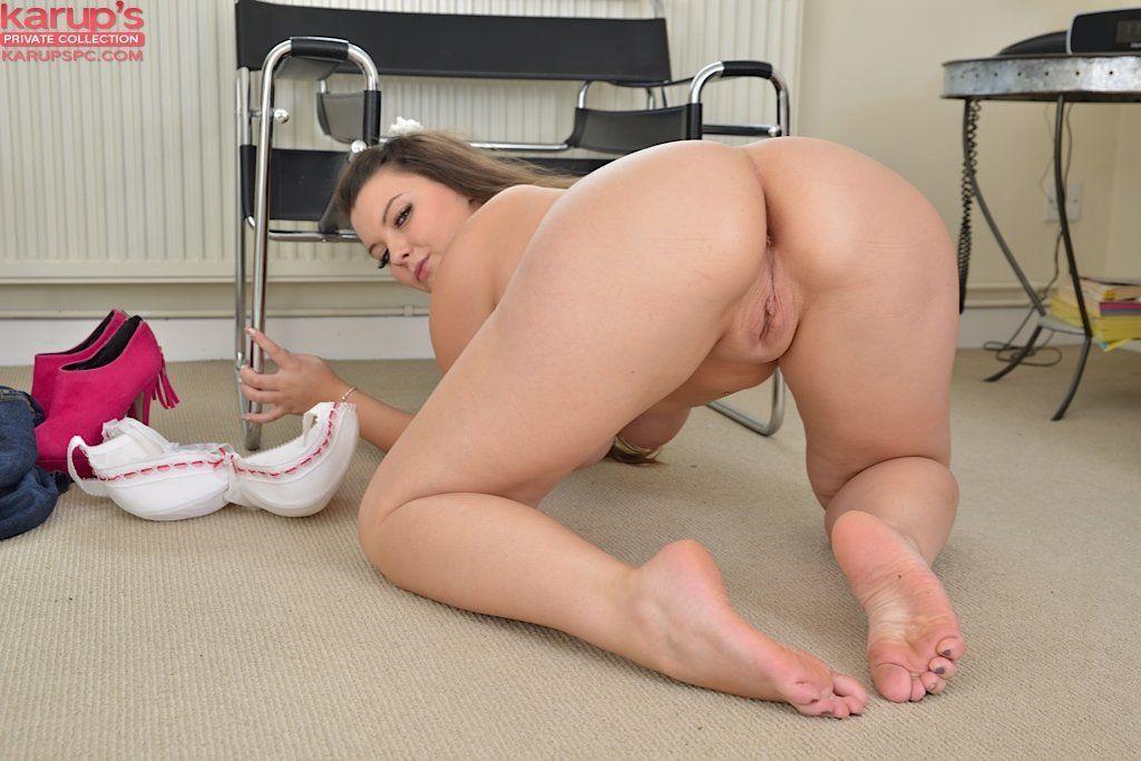 Ashley massaro feel her boobs