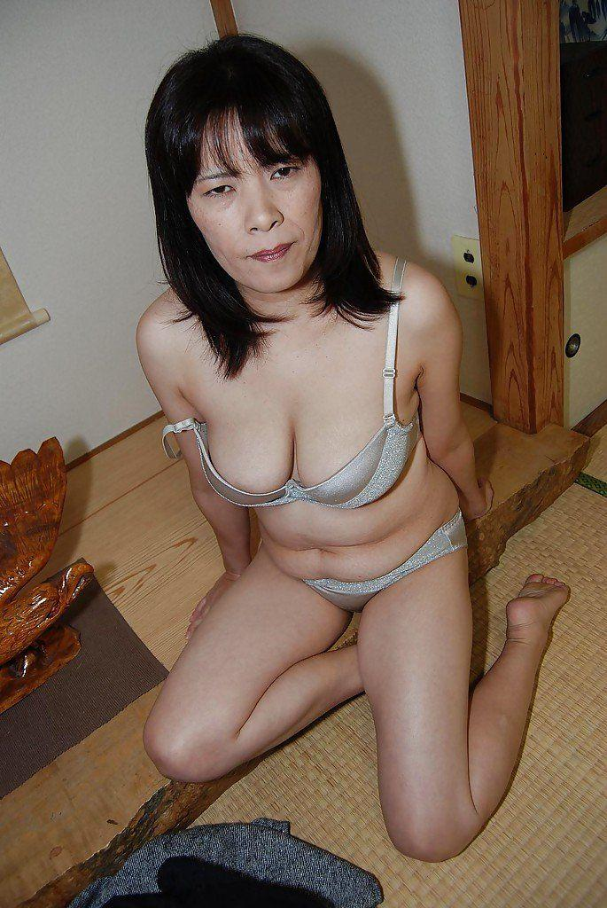 nudist Asian family