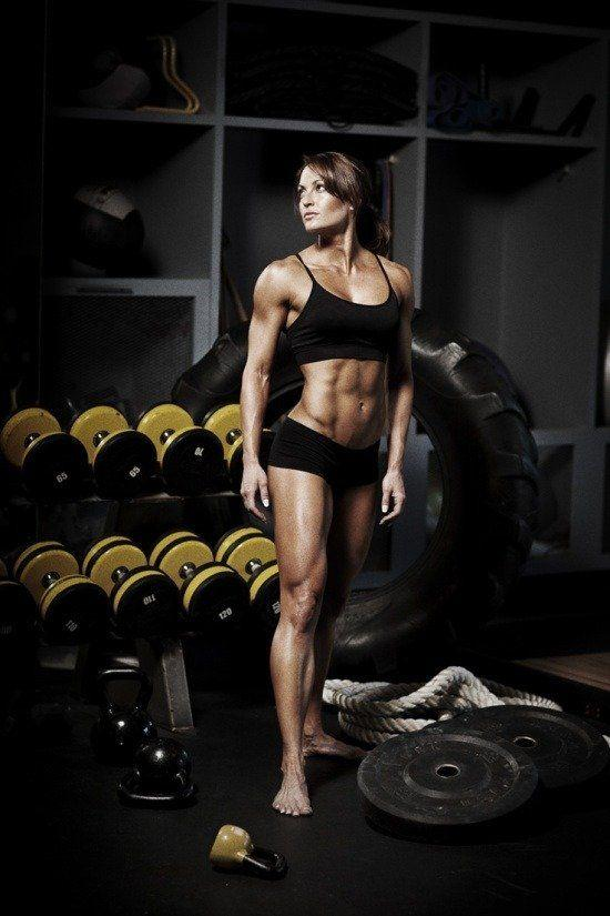 Body builder fetish woman