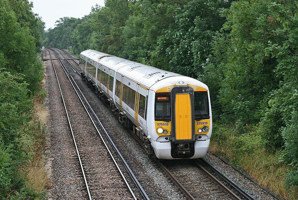 best of 3rd rail peeing British