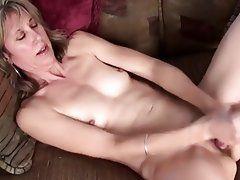 Pussy masterbate hairy milf