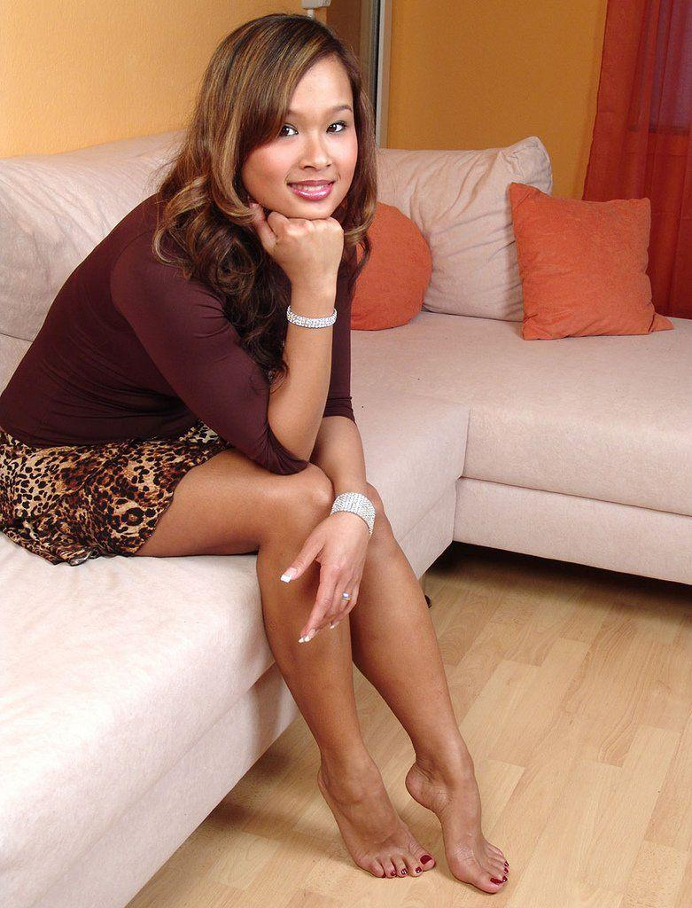 Girls and asian nude legs feet