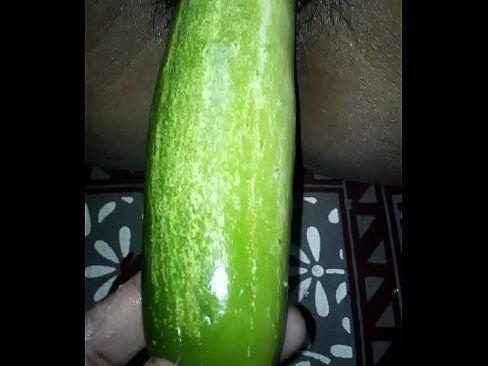 Indian girls cucumber banana masturbation pictures