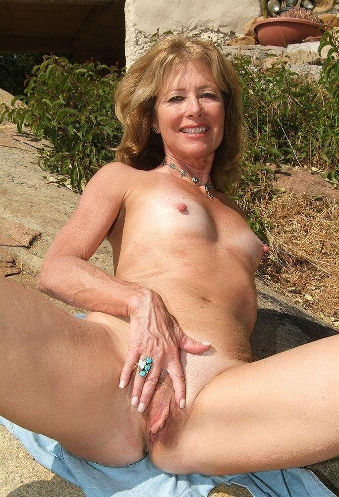 Free raunchy mature picture