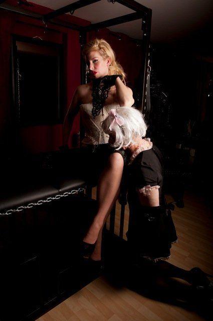 Good hypnotic domination mistress