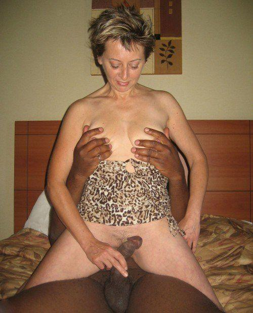 Amateur mature submitted nude photos